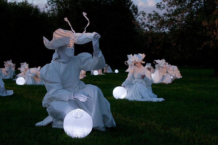 Der Japaner Shuasaku Takeuchi hat sich den Schmetterlingstanz ausgedacht. Bild: protagon